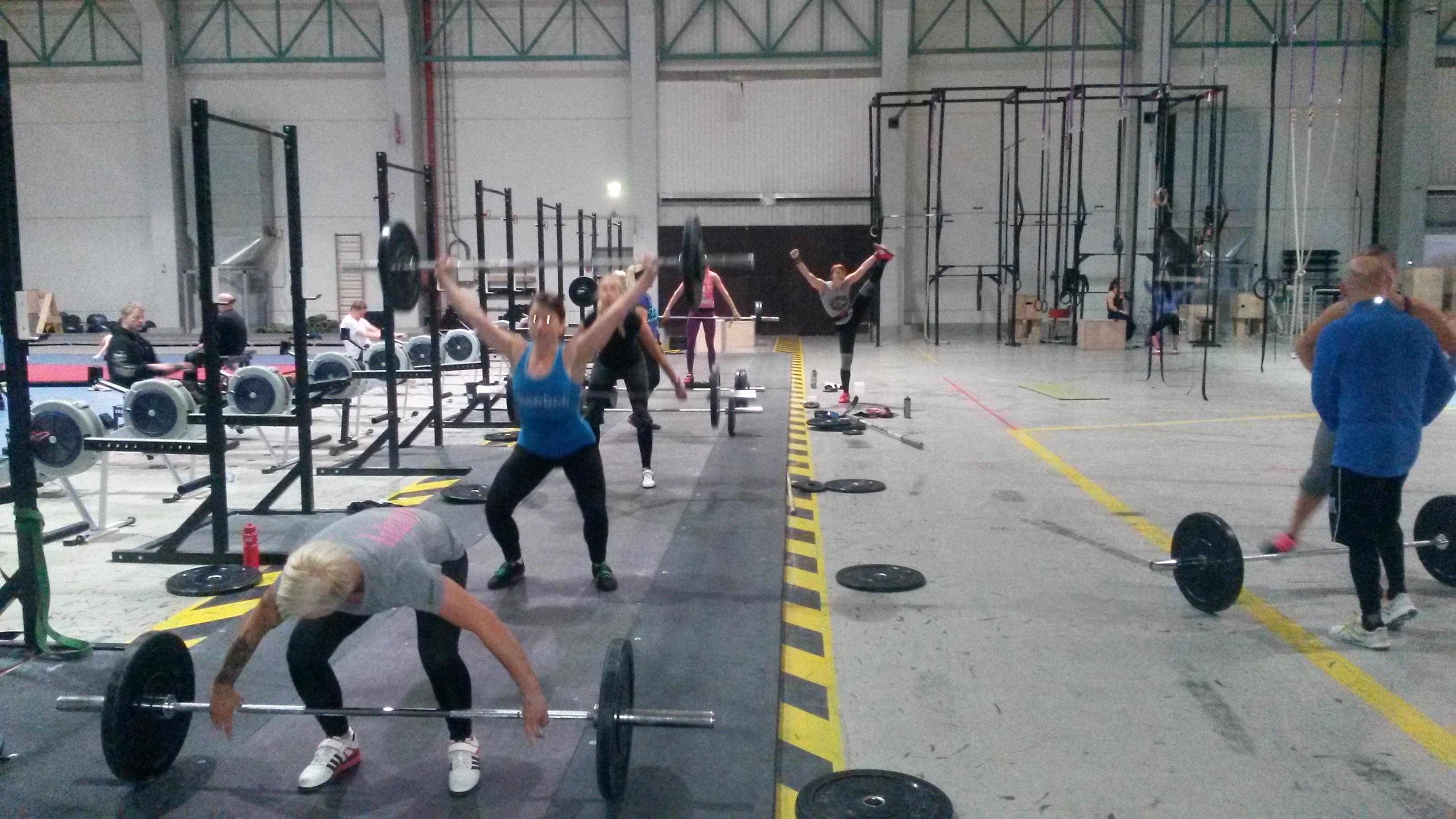 Gymnastic skills ja bootcamp WOD torstai 28.5.2015